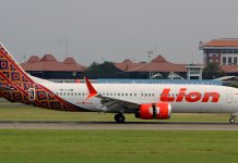 report-boeing-design-pilots-and-maintenance-faulted-in-lion-air-crash