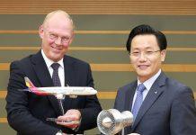 Leo Koppers, SVP MRO MTU Maintenance and E-Bae Kim, EVP-Corporate Support Asiana Airlines.