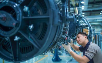 TS&S technician works on V2500 engine at the MROs Abu Dhabi facilities