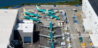 boeing-posts-loss-as-737-max-weighs-on-earnings